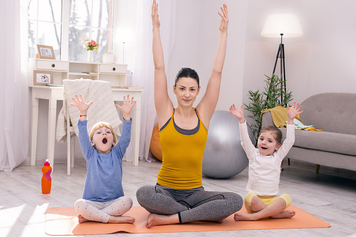 El distanciamiento social es el momento ideal para meditar y hacer mindfulness en familia